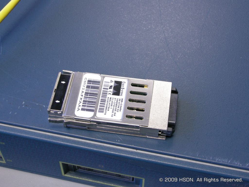 /2009/06.26 Свитчи Cisco и Allied Telesyn/021 GBIC-модуль.jpg